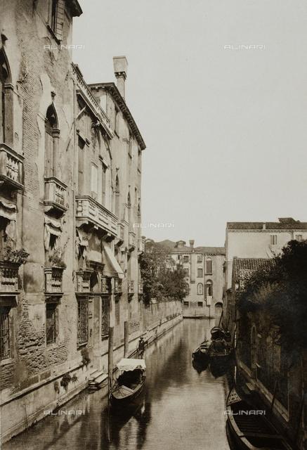 """""""Calli, Canali e Isole della Laguna"""", edition by Ferdinando Ongania, view of the Rio dei Sartori, Venice"""