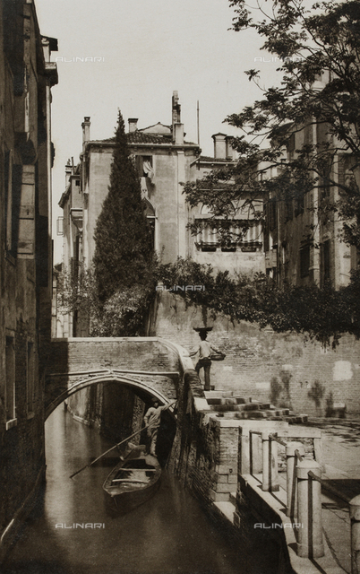 """""""Calli, Canali e Isole della Laguna"""", edition by Ferdinando Ongania, animated view of the San Cristoforo Rio in San Vito, Venice"""