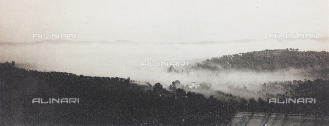 "Hilly landscape with fog; the support contains the indication: Effect of fog - Contest ""Mists"" 1 May 1915"