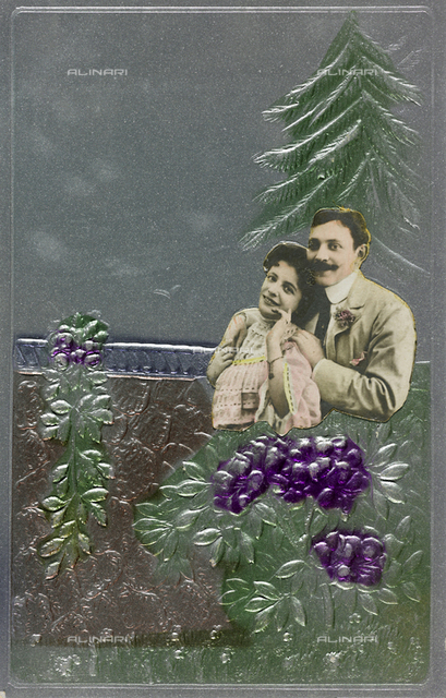 "Postcard, portrait of a couple, on the background a pinetree, ""Album para Tarjetas postales"""