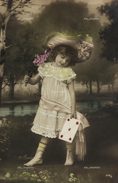 "Postcard, portrait of a little girl, ""Album para Tarjetas postales"""