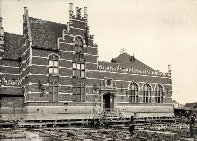 The Dam railway station in Anvers, after the operation of shifting the building onto a cement platform.