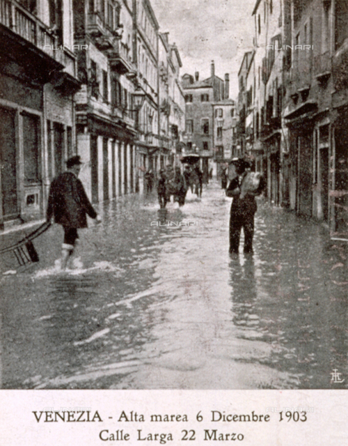 A stretch of Calle Larga in Venice, flooded by the high tide in December 1903