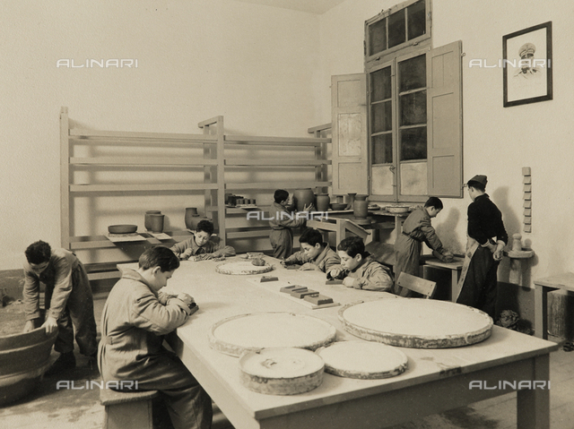 Young workers in the G.I.L. of Ravenna: ceramic workshops