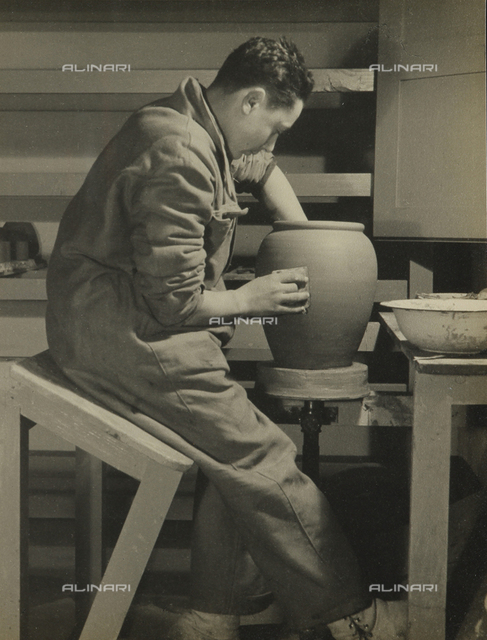Young workers in the G.I.L of Ravenna: ceramic workshop