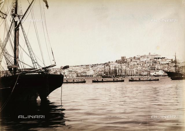 """Excursion en Italie"": the port of Cagliari"