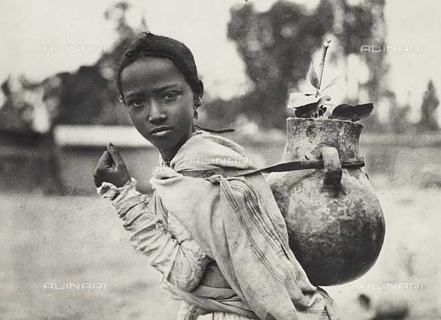 'Building an Empire' in the Fascist age: Abyssinian girl