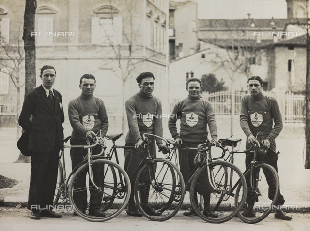 The After-work Activities Centre of the War Ministry of Bologna, the first cycling team