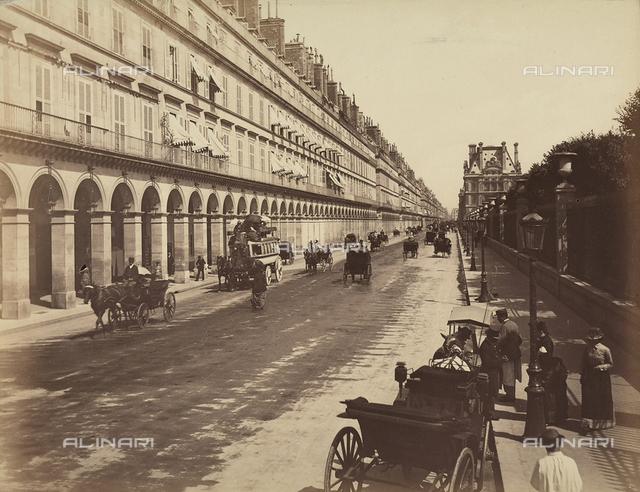"""Paris: """"rue de Rivoli"""""""