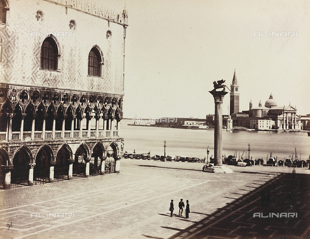 Animated view of the Piazzetta San Marco in Venice, with the glimpse of the Palazzo Ducale and the Church of San Giorgio Maggiore in the background