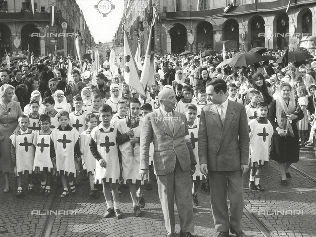 XIV National Eucharistic Congress of Turin: procession of youths