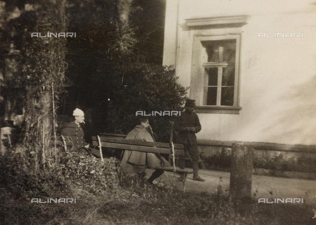 Album of the First World War in Friuli-Venezia Giulia: convalescent soldiers at Villa Brazzà, home to 17 of the Hospital of war in Soleschiano Manzano