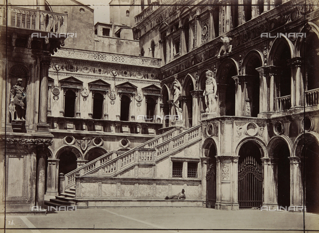 Scala dei Giganti (Staircase of the Giants), Doge's Palace, Venice