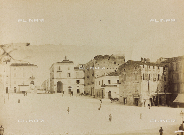 Animated view of Piazza Castello in Sassari