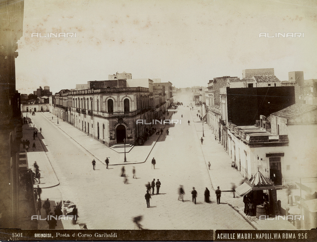 Animated view of the Post Office and Garibaldi Avenue in Brindisi