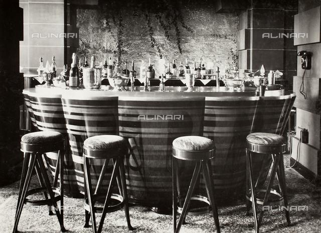 Bancone del bar della Casa dell'Aviatore, Roma