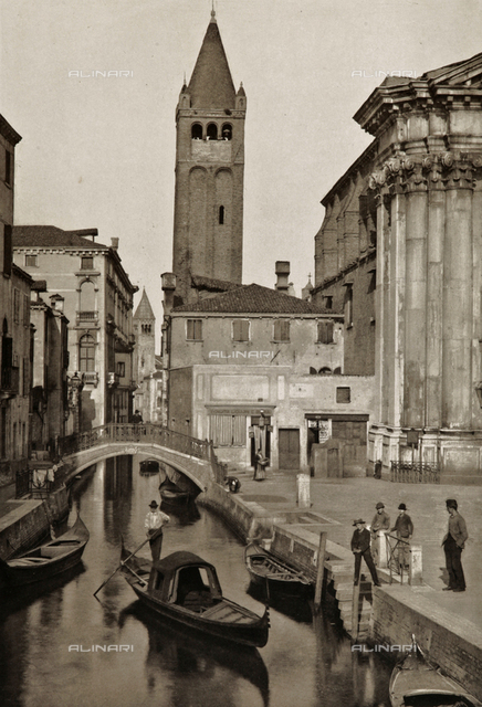 Animated view of Rio San Barnaba in Venice, with the bell tower of the Church of San Barnaba in the background