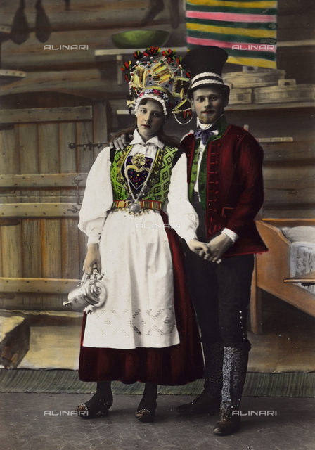 Couple in traditional Norwegian costumes
