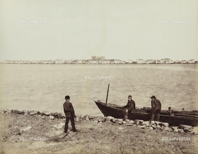 """""""Isole della Laguna di Venezia"""", view of Sottomarina with fishermen, Venice"""