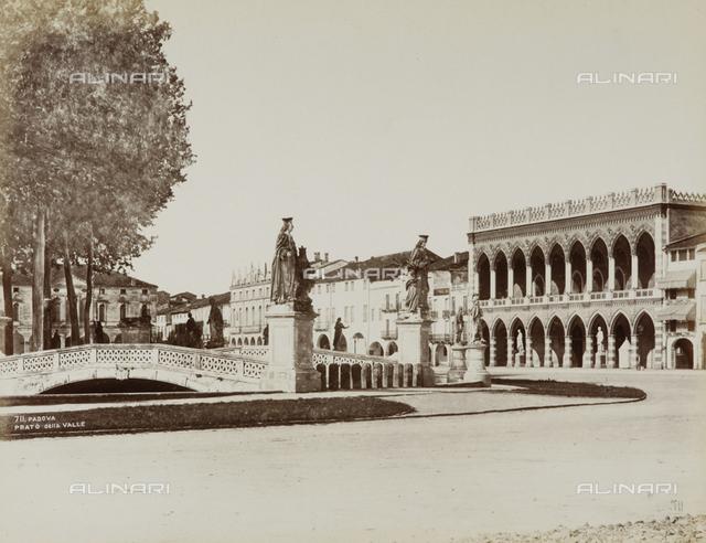 Piazza Vittorio Emanuele, formerly Piazza Prato della Valle, Padua