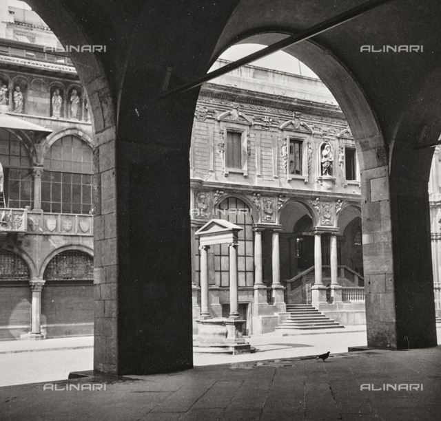 The Gallery of Piazza Mercanti, Milan.