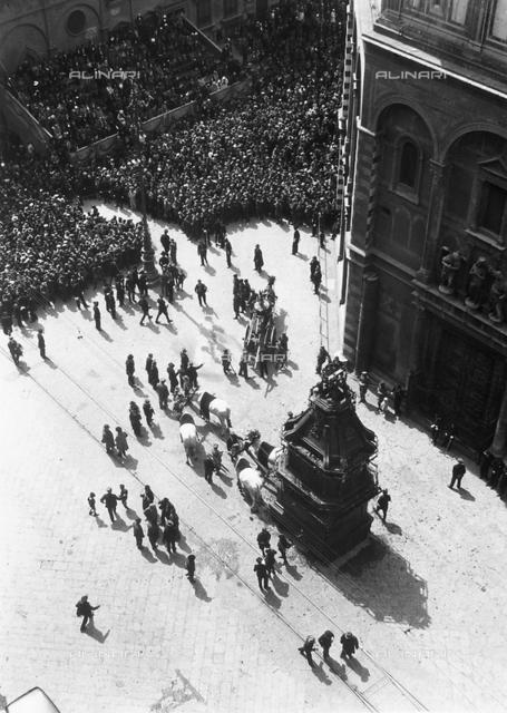 "The explosion of the cart or ""scoppio del carro"" in Piazza del Duomo in Florence"