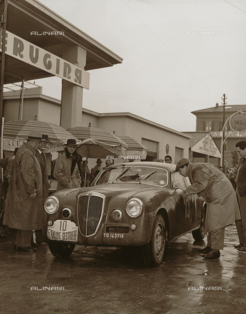 Sixth Sestriere Rally organized by Peugina: one of the cars in the race