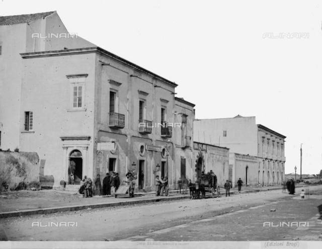 Animated view of Corso Garibaldi in Brindisi