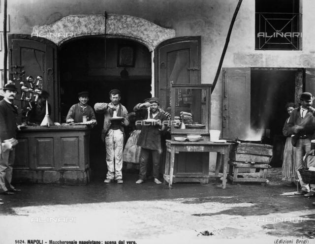 The shop of a Neapolitan macaroni maker