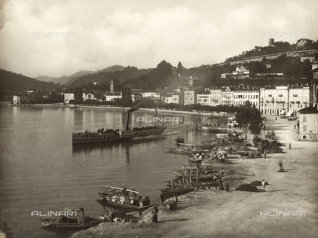 Lugano: view of the promenade and of the lake.
