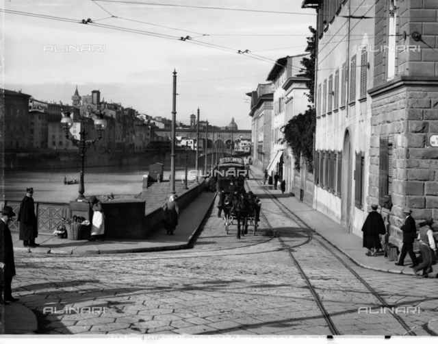 Animated view of Lungarno Armando Diaz: left access to the Ponte alle Grazie and to the right the Oratory of S. Maria delle Grazie