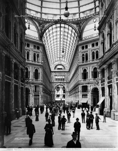 Umberto I Gallery, Naples