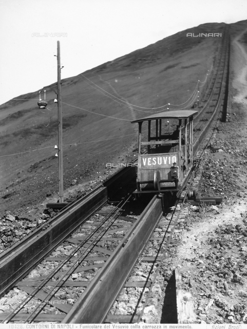 Vesuvius tram with carriage in movement