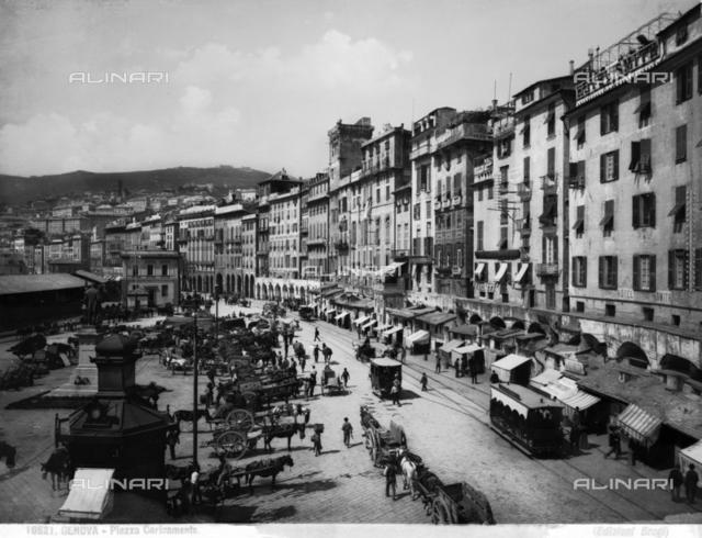Piazza Caricamento in Genoa