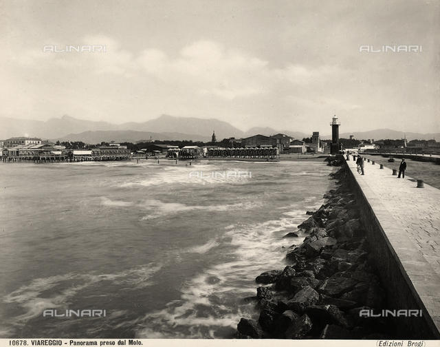 The beach of Viareggio seen from the wharf