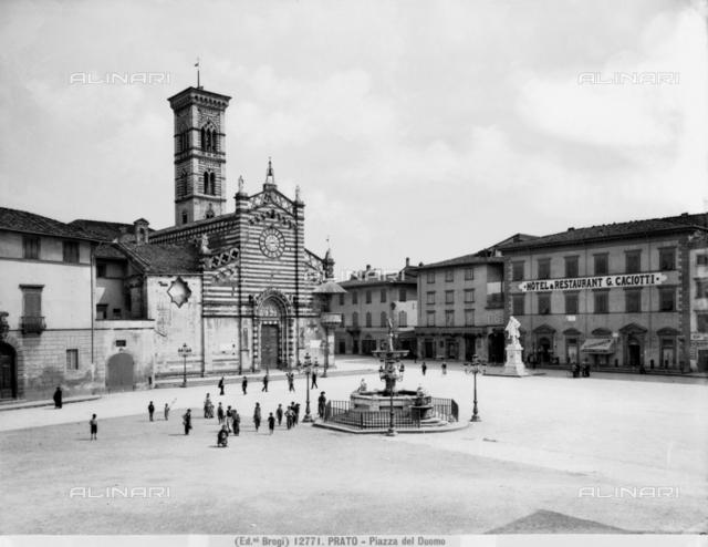 Faà§ade, Cathedral, Prato