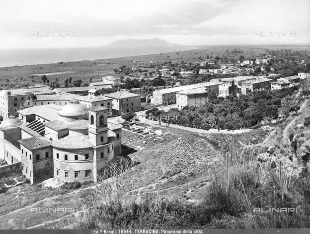 Panoramic view of the city of Terracina.