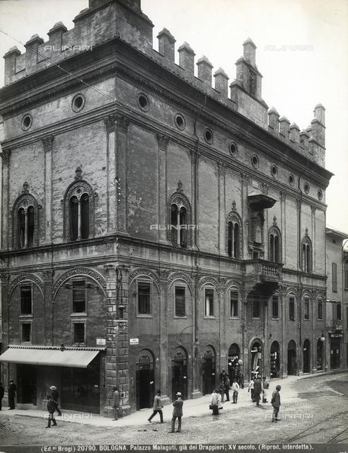 Palazzo dei Drappieri or Strazzaroli, Bologna.