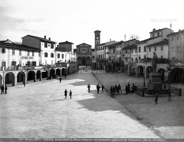 Greve in Chianti, Piazza Umberto I (Umberto I Square) now piazza Matteotti with the Memorial to the navigator Giovanni da Verrazzano