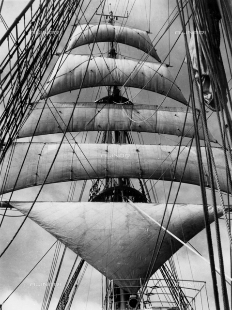 "School ship ""Amerigo Vespucci"" of the Italian Royal Navy: the sails"