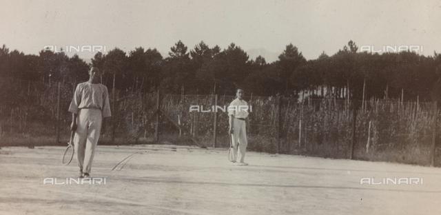 "Album ""Campaign 1915-1916-1917-1918 war, Lieutenant Jack Bosio""  tennis match in Forte dei Marmi, Versilia"