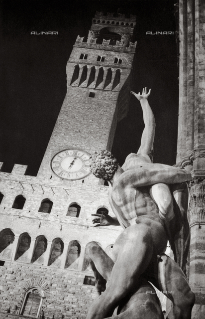 Rape of the Sabines, Giambologna, Loggia dei Lanzi, Florence