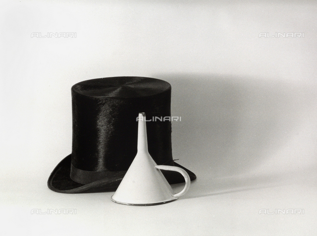 Top-hat and funnel