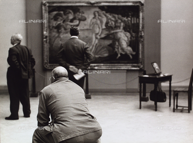 Visitors at the Gallery of Uffizi