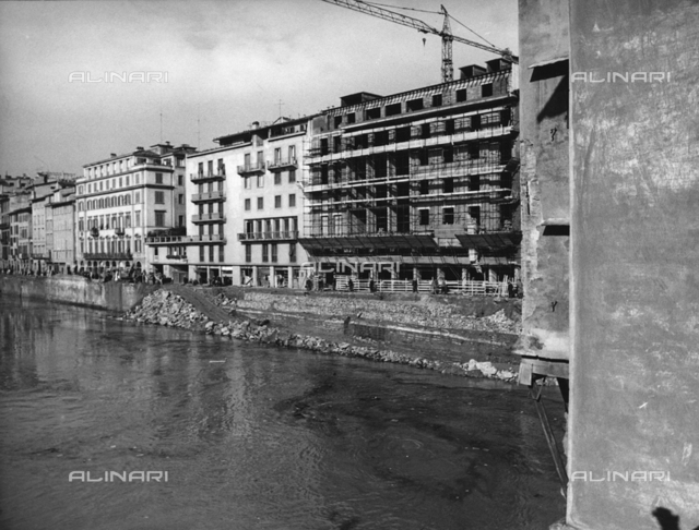 Lungarno Acciaiuoli after the flood in Florence