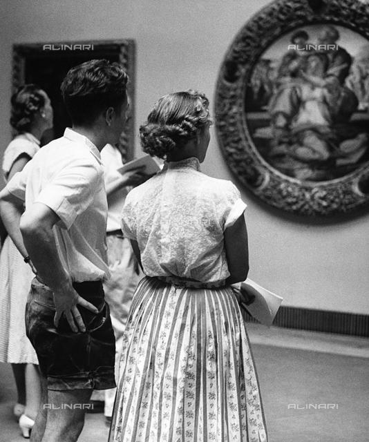"""""""Tourists at the Uffizi"""""""