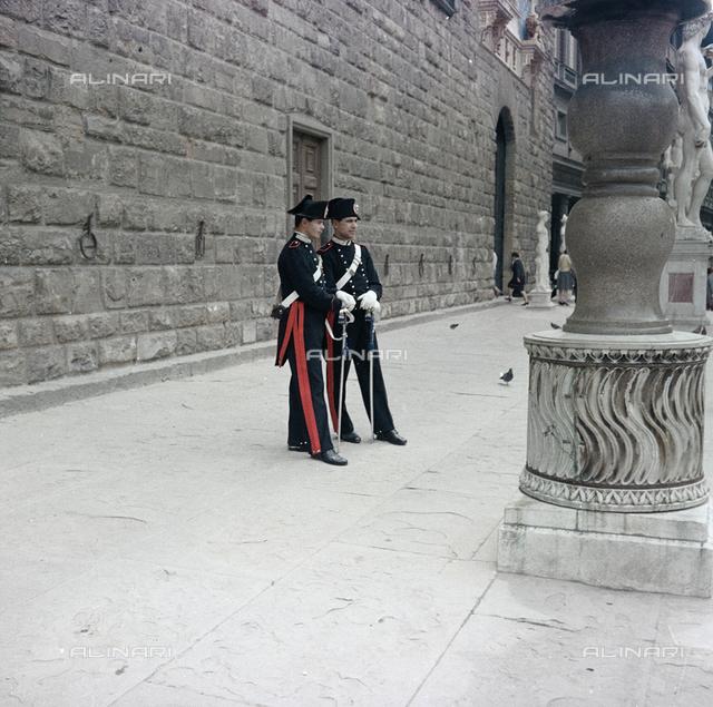 Carabinieri in Piazza della Signoria, Florence