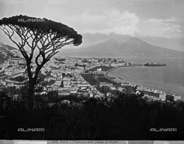 Panoramic view of the gulf and the city of Naples with Vesuvius in the background. The photograph was taken from the Corso Vittorio Emanuele