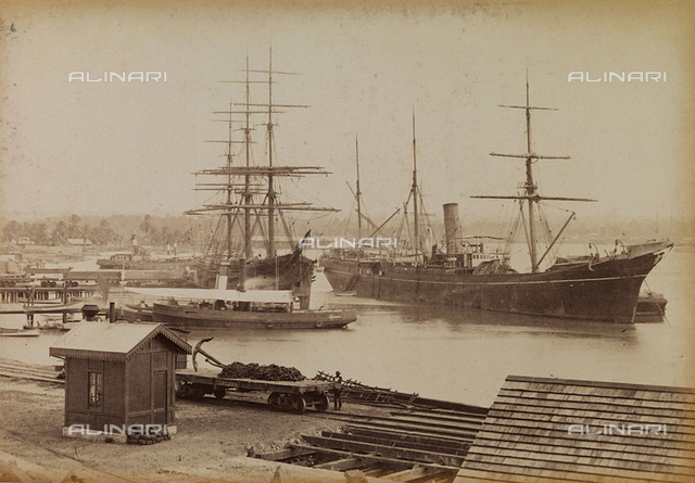 """Album """"Isthmus of Panama"""": """"entrée du Canal à Christophe Colomb"""", ships in the Panama Canal ready for unloading of goods"""