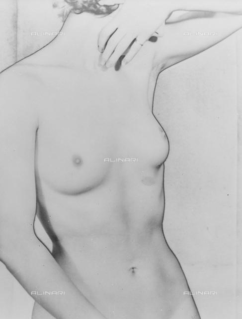 Solarized Torso: female nude